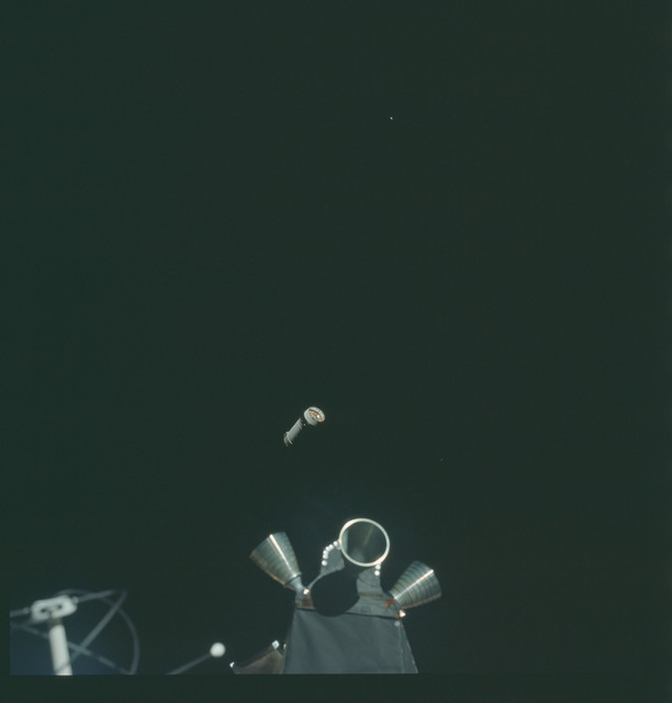 AS14-72-9925 - Apollo 14 - Apollo 14 Mission image - View of the Lunar Module(LM) Thrusters.