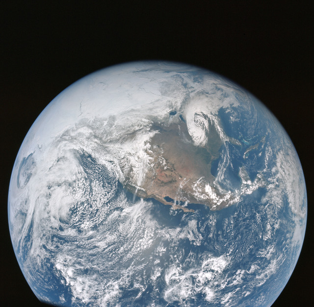 AS16-118-18880 - Apollo 16 - Apollo 16 Mission image - A good view of the Earth photographed about one hour after translunar injection of April 16, 1972