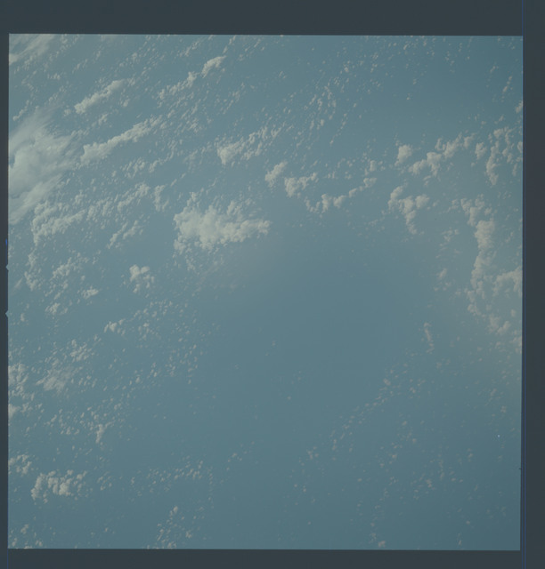 AST-02-108 - Apollo Soyuz Test Project - Apollo Soyuz Test Project, Earth views, Clouds over the Coral Sea