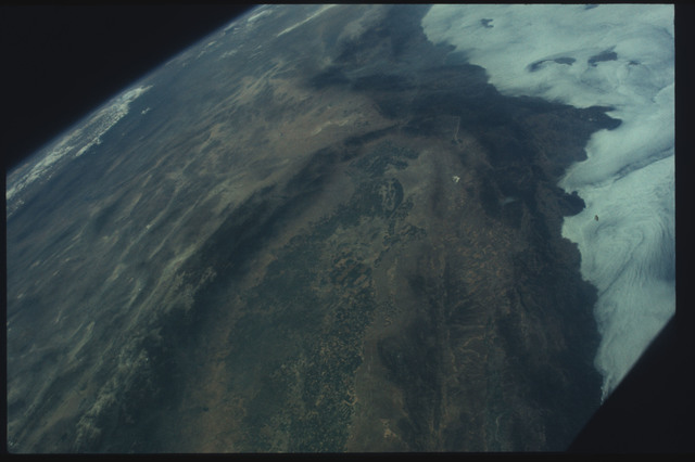 AST-07-401 - Apollo Soyuz Test Project - Apollo Soyuz Test Project, Earth view over California, San Joaquin Valley, Mojave Desert