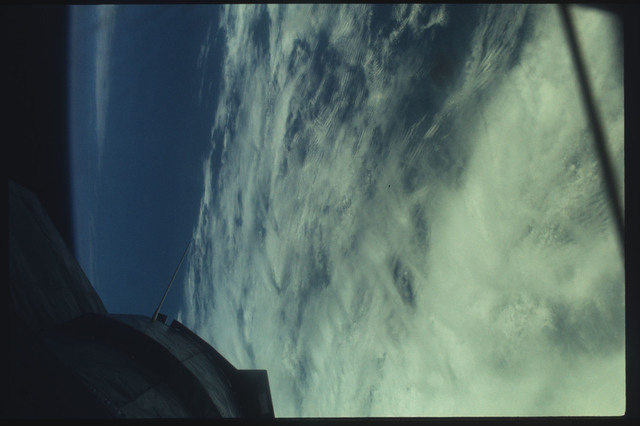 AST-07-415 - Apollo Soyuz Test Project - Apollo Soyuz Test Project, Clouds over the Pacific Ocean off the Oregan Coastl