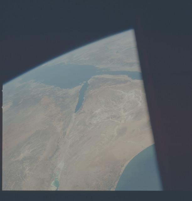 AST-09-559 - Apollo Soyuz Test Project - Apollo Soyuz Test Project, Saudi Arabia, Israel, Jordan, Dead Sea, Gulf of Awaba