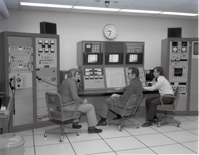 8X6 FOOT WIND TUNNEL BUILDING - ROOM 10 COMMUNICATIONS EQUIPMENT - ROOM 12 COMPUTER EQUIPMENT - ROOM 14 MAINTENANCE AREA - ROOM 25 EEC COMMUNICATION TECHNOLOGY SATELLITE CTS SUPPORT AREA -