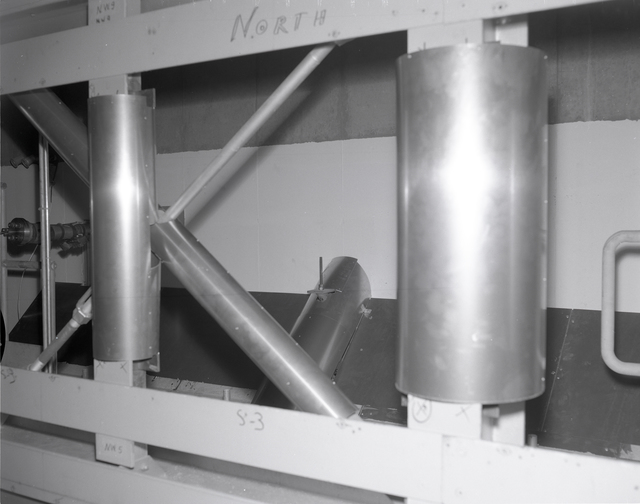 9X15 FOOT WIND TUNNEL 20 INCH FAN MODEL INCLUDING WALL OPENING DEFLECTOR PLATES