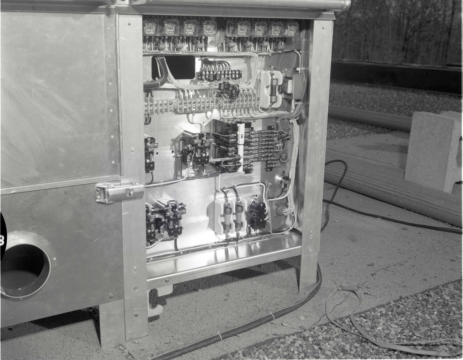 AIR SAMPLER POWER PANEL ON THE ROOF OF THE ENERGY CONVERSION LABORATORY ECL