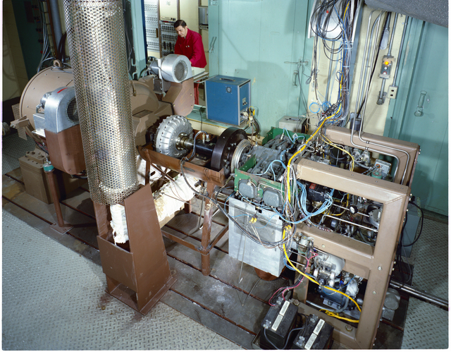 AIRCRAFT ENGINE PROGRAM AVCO LYCOMING FUEL STUDIES AND EMISSION CONTROL