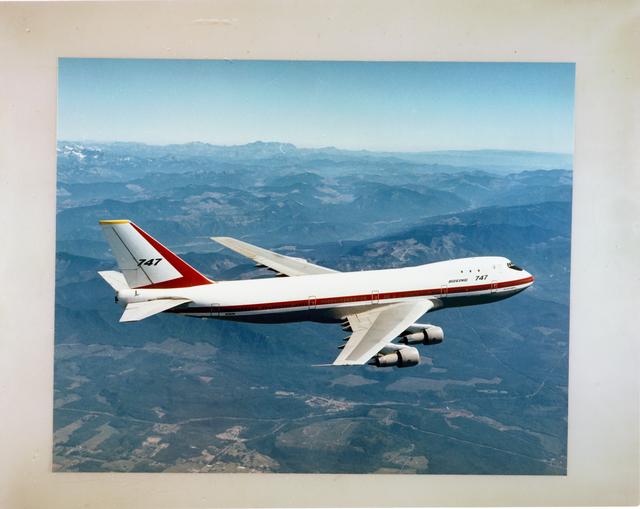 AIRPLANES - DC-9 - DC-10 - B-747