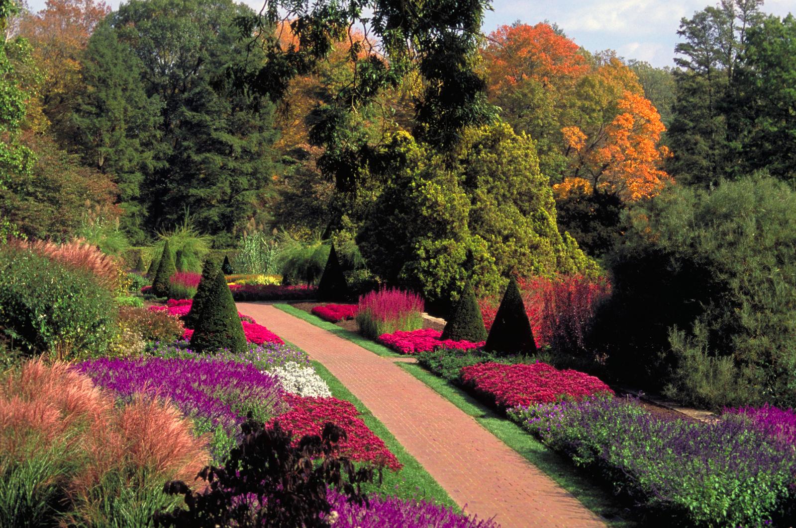 Brandywine Valley Scenic Byway - Autumn Walk in the Longwood Gardens