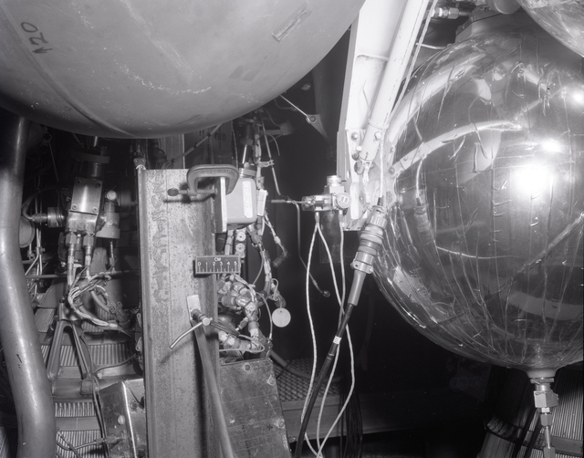 CENTAUR VIBRATION RIG AT THE SPACE POWER CHAMBER SPC