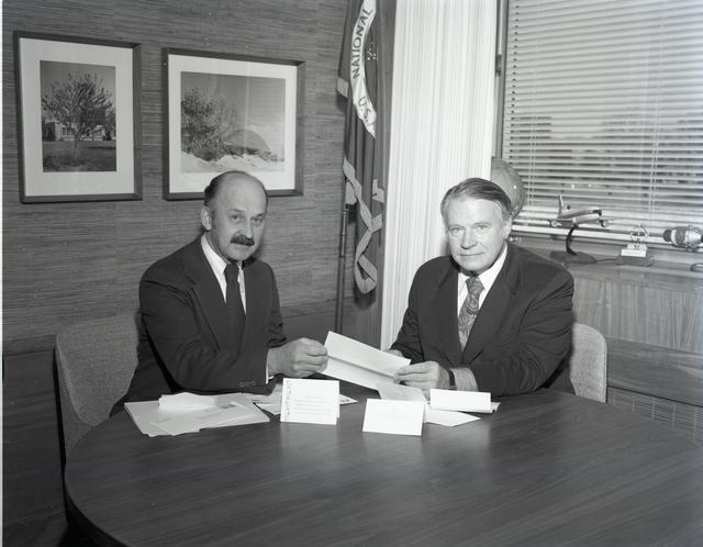 CENTER DIRECTOR DR MCCARTHY FOR NASA CHRISTMAS CLUB