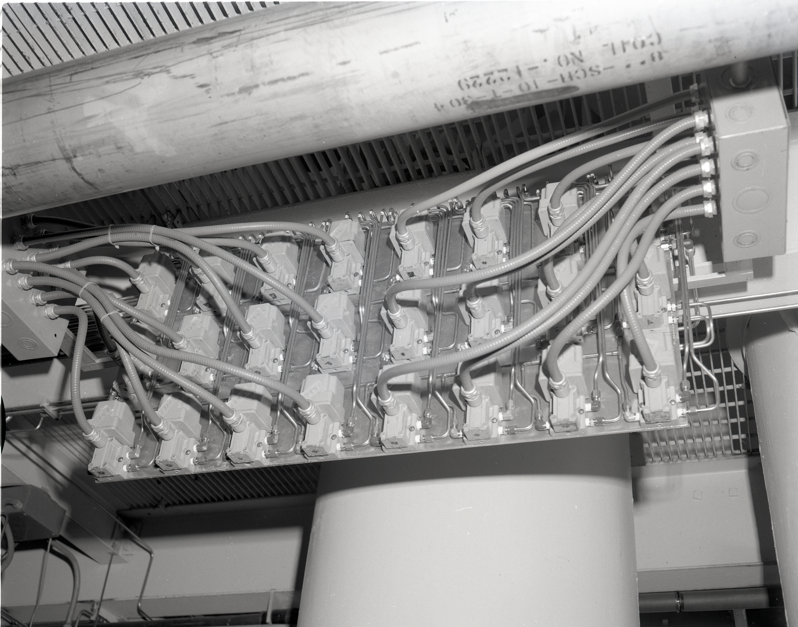 COLD GUARD INSTALLATION IN FUEL PIT OF THE ROCKET ENGINE TEST FACILITIY RETF