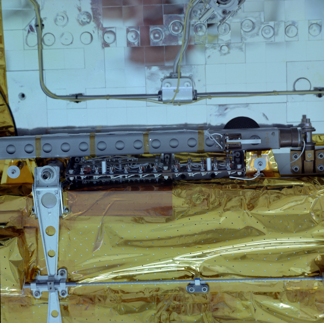 COMMUNICATION TECHNOLOGY SATELLITE CTS PROTO FLIGHT SPACECRAFT BUILD UP IN HANGAR S AT THE NASA KENNEDY SPACEFLIGHT CENTER KSC