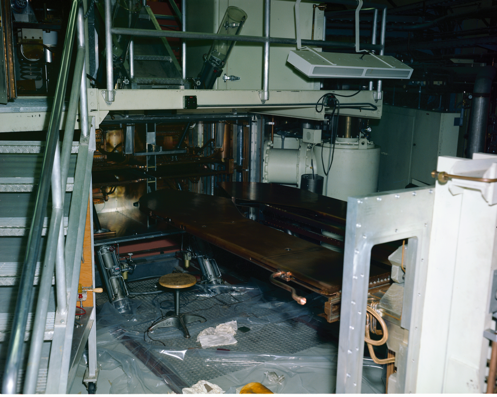 CYCLOTRON AT THE MATERIALS & STRESSES M&S BUILDING - IRON SOURCE - EXPOSED DERS