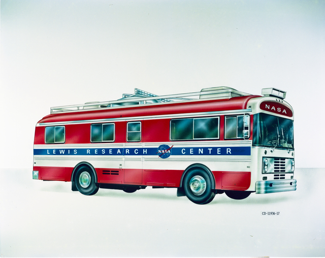 DRAWING OF NASA LEWIS RESEARCH CENTER BUS WITH AND WITHOUT ANTENNA