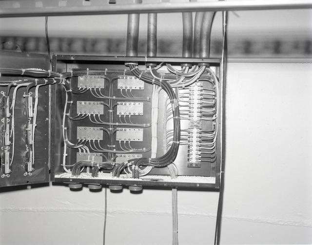 ELECTRICAL PANEL - ZERO GRAVITY LEVEL NO. 3