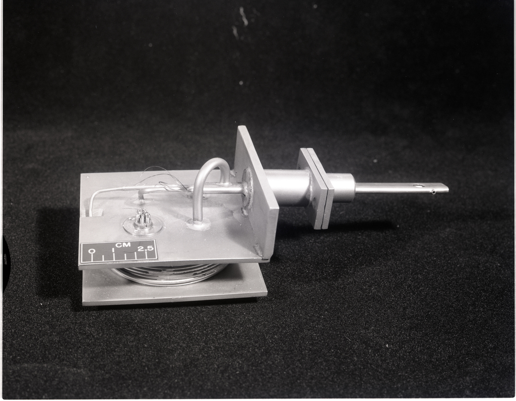 F-100 INFINITE LINE PROBE - ASSEMBLY AND DETAIL