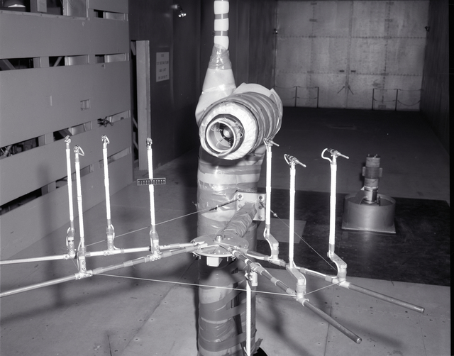 GENERAL ELECTRIC GE AND BB&N TEST CONFIGURATION INST SCOOP AND MICROPHONE BOOM ARRAY