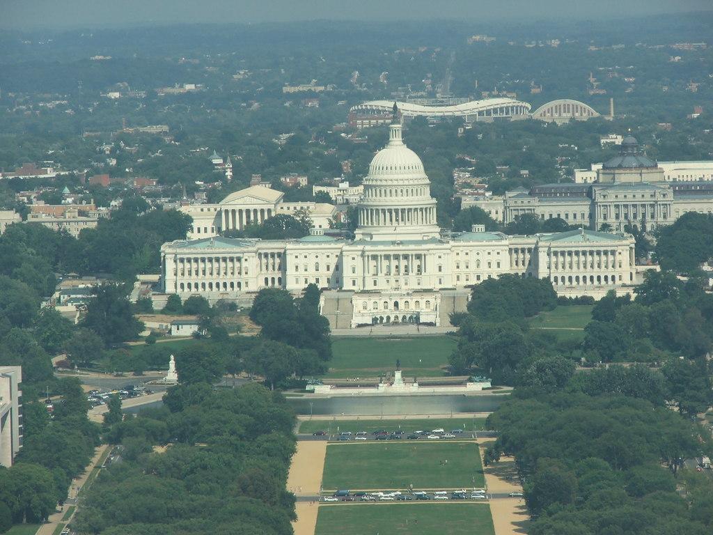 George Washington Memorial Parkway - United States Capitol