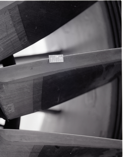 GROOVES IN QCSEE QUIET CLEAN STOL EXPERIMENTAL ENGINE UTW UNDER THE WING FAN BLADES