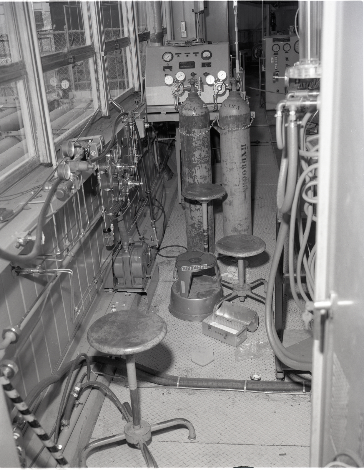 H2 HYDROGEN FURNACE ACCIDENT IN THE MATERIALS PROCESSING LABORATORY MPL