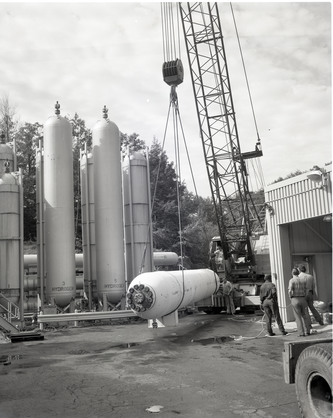 INSTALLATION OF A 6000 PSI POUNDS PER SQUARE INCH GASEOUS HELIUM