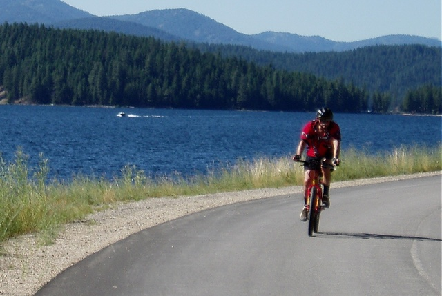 International Selkirk Loop - Biking along Priest Lake