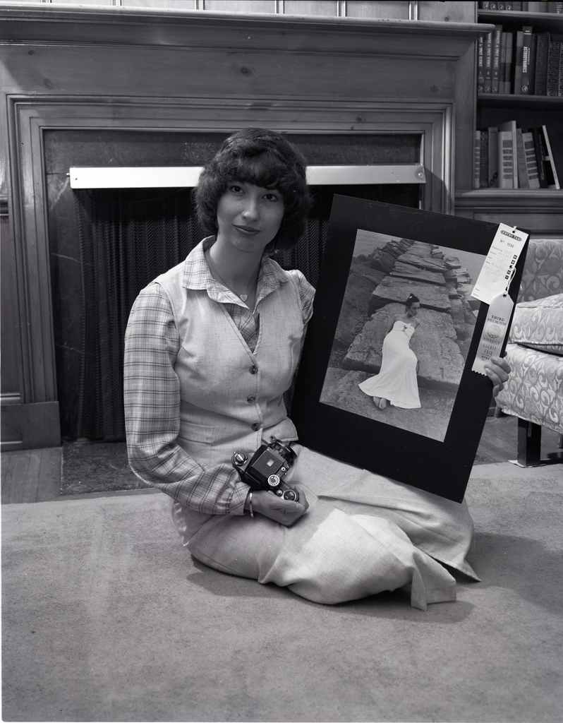 KATHY ZONA AND HER AWARD WINNING PHOTOGRAPH