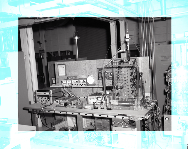 KLYSTRON CALORIM E ANAL ASSEMBLY IN HUGHES CHAMBER AND THE UNITED STATES AIR FORCE USAF TEST BENCH