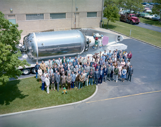 LAUNCH VEHICLE DIRECTORATE PERSONNEL - APPROXIMATELY 100 PEOPLE - OUTSIDE IN FRONT OF THE CENTAUR VEHICLE MODEL ACROSS FROM THE VISITOR INFORMATION CENTER VIC