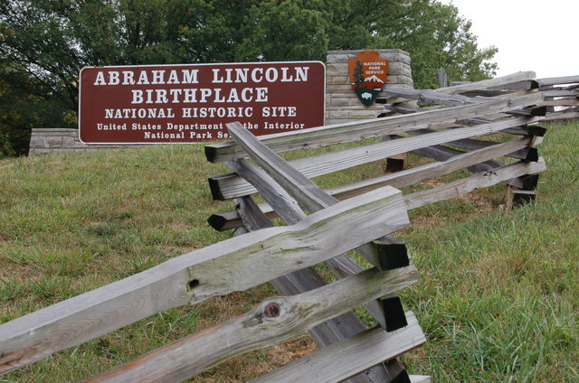 Lincoln Heritage Scenic Highway - Entrance to Abraham Lincoln Birthplace