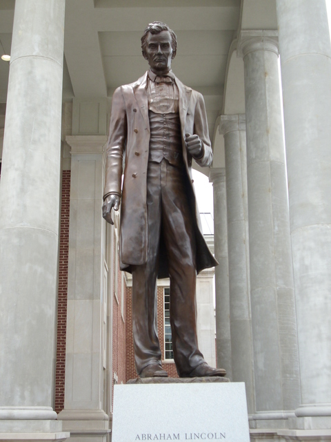 Lincoln Heritage Scenic Highway - Lincoln Statue in Springfield