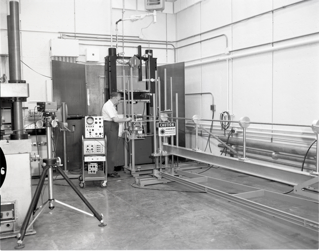 MATERIALS AND STRESSES M&S FURNACE ROOM - POWDER LABORATORIES - TECHNICAL SERVICES DIRECTORATE YEARBOOK