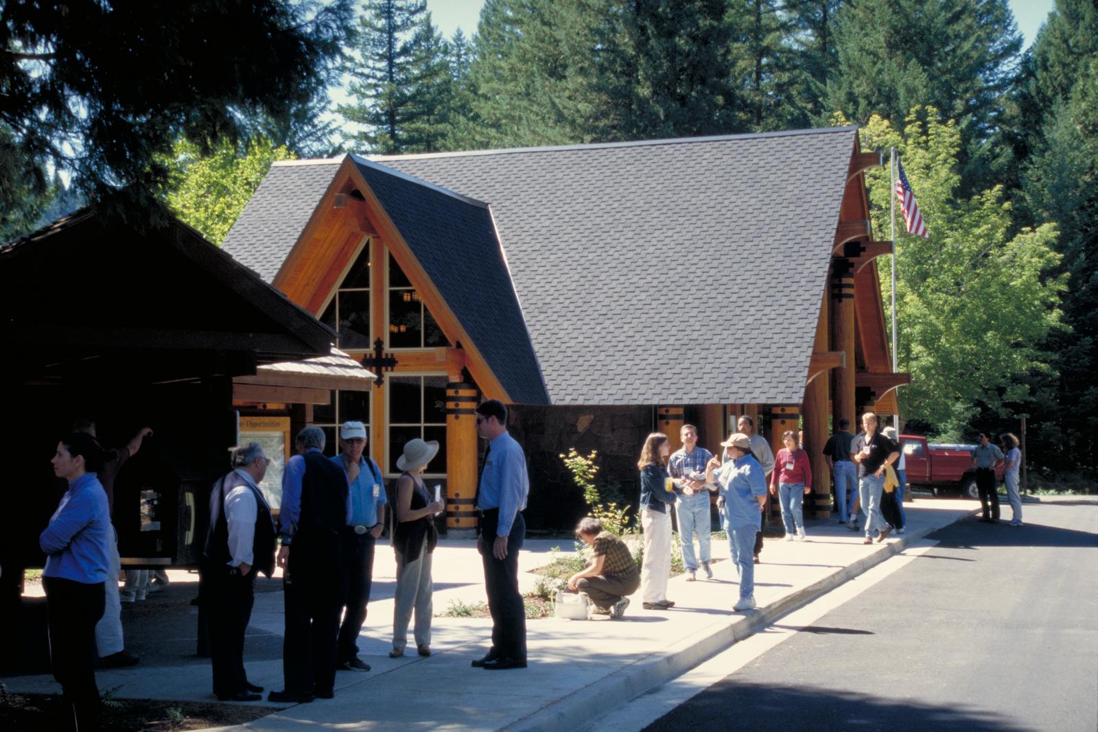 McKenzie Pass-Santiam Pass Scenic Byway - McKenzie Ranger Station
