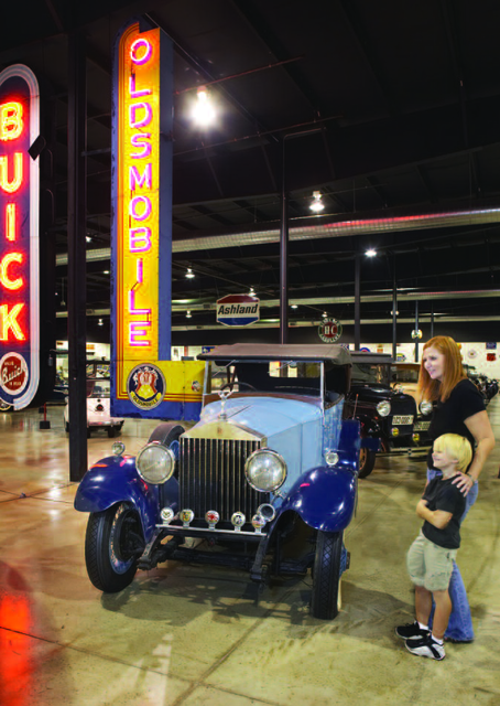 Natchez Trace Parkway - Automobile Museum in Tupelo