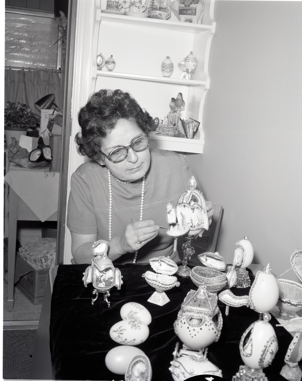 OFF-LABORATORY JOB OF ANNETTE MORAN FOR EASTER STORY FOR