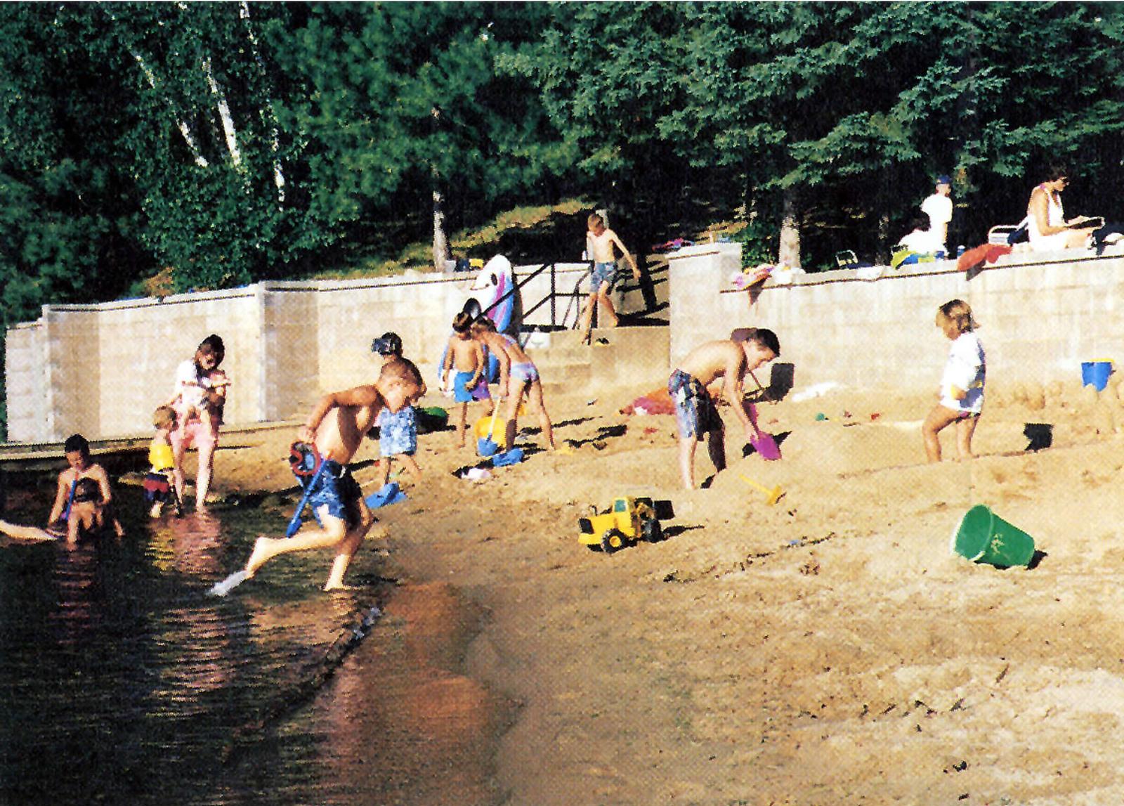 Paul Bunyan Scenic Byway - Children At A Resort Beach