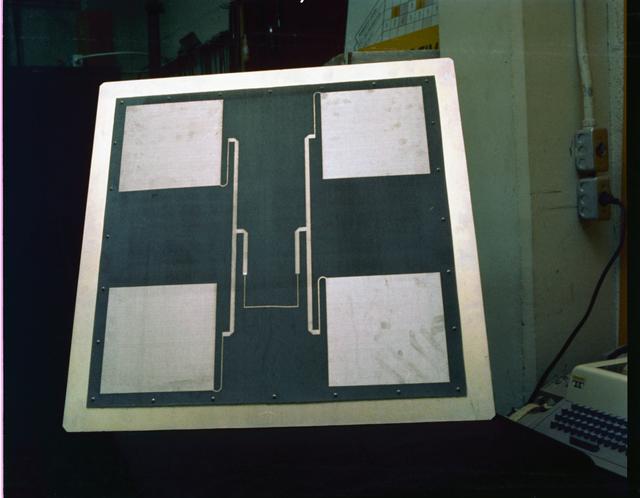 SATELLITE ANTENNA - MICROPROCESSOR