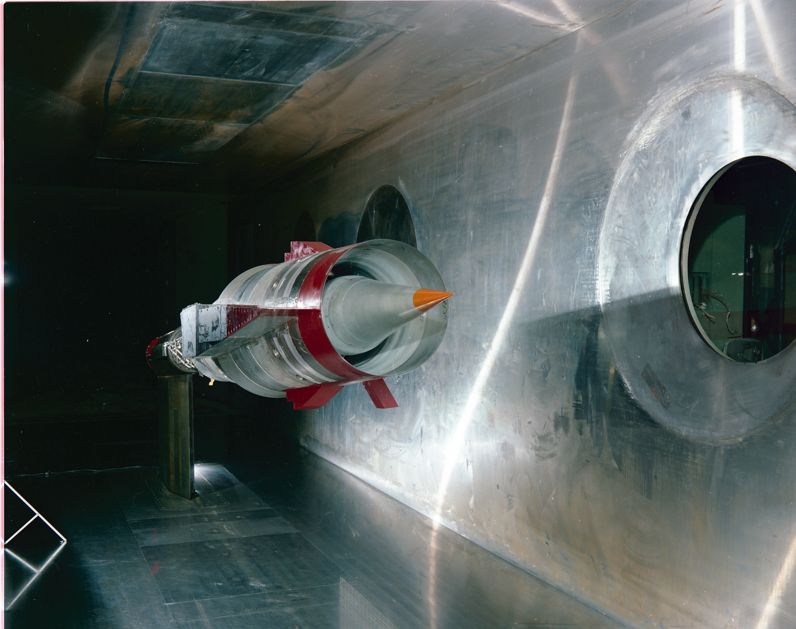 SCR INLET IN THE 10X10 FOOT WIND TUNNEL