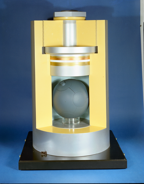 SEGMENTED SPHERE CRYOGENIC HIGH PRESSURE APPARATUS TO BE USED BY NASA HEADQUARTERS IN PRESENTATION TO CONGRESSIONAL COMMITTEE