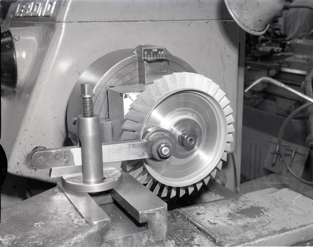 SETUPS FOR MACHINING FOR LOW COST ENGINE COMPONENTS