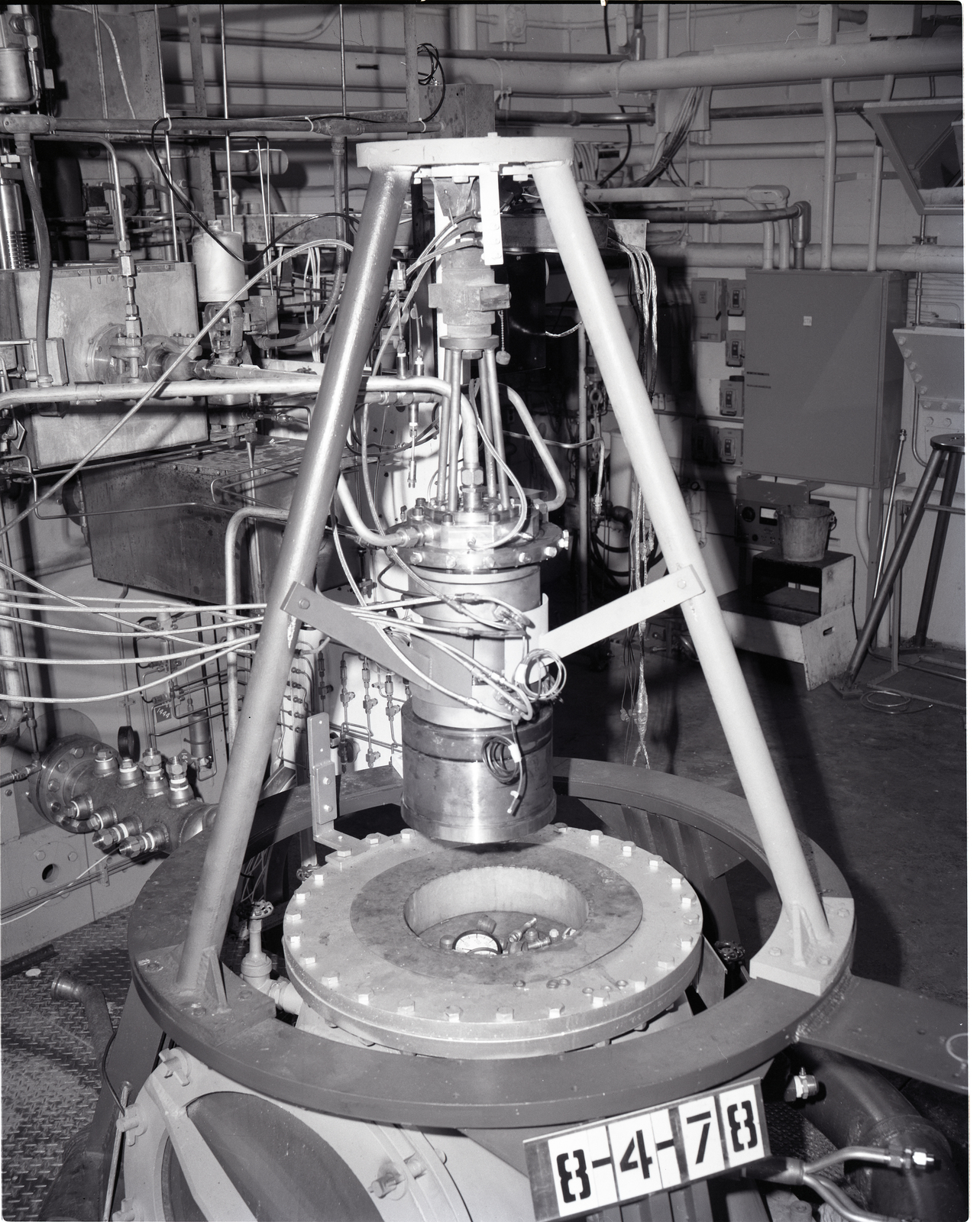 SOUTH 40 ROCKET ENGINE TEST FACILITY RETF ROCKET STAND INJECTOR 251 HYDROCARBON LIQUID OXYGEN LOX ASSEMBLY