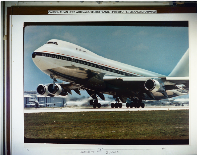 TAKE OFF OF 747 AIRPLANE