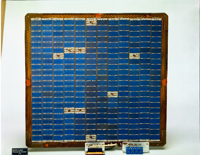 TDRSS TRACKING AND DATA RELAY SATELLITE SYSTEM SOLAR ARRAY PANEL