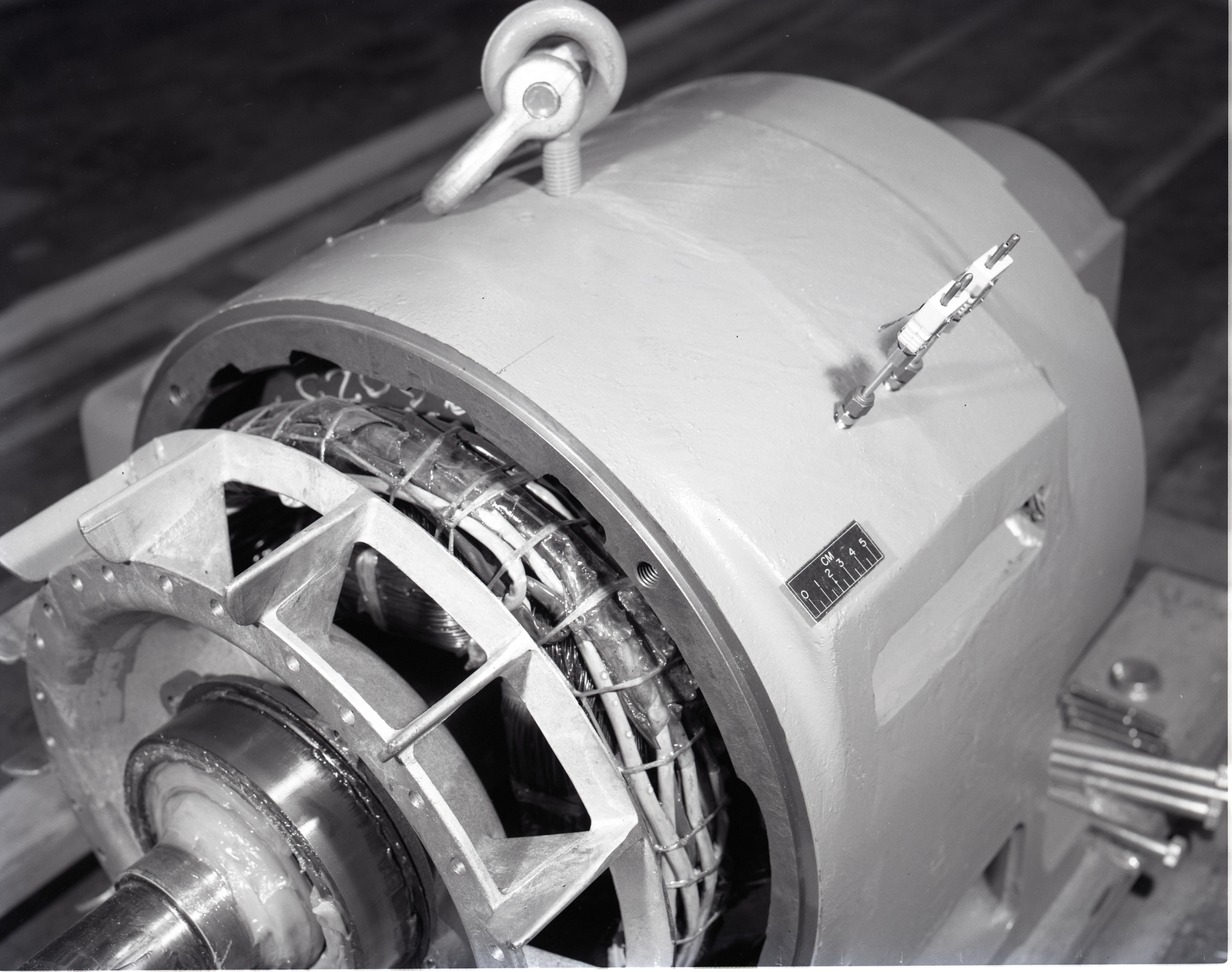 THERMOCOUPLES INSTALLED ON SHORT SHAFT GENERATOR FOR 100 KW KILOWATT WINDMILL