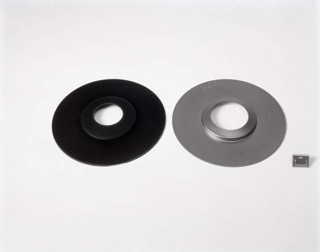 TWO PYROLYTIC GRAPHITE MDC PLATES