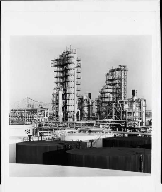 TYPICAL UNITED STATES REFINERY