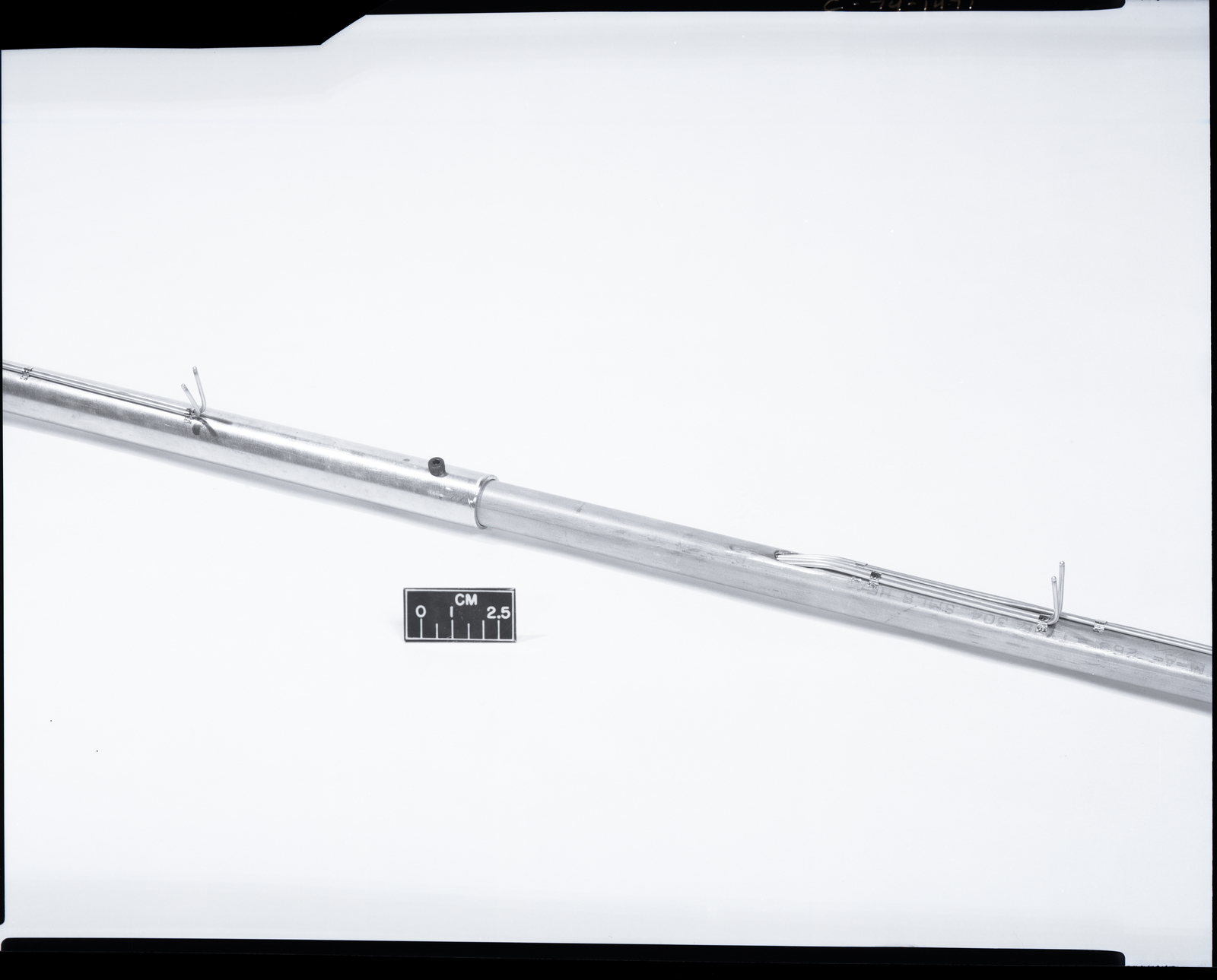 VERTICAL TUBE SUPPORTED THERMOCOUPLE PROBE