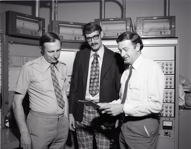 VISIT - LEFT TO RIGHT - DR G SUMNER - DR B TOMKINS UNITED KINGDOM ENERGY AUTHORITY ENGLAND - GARY HALFORD NASA