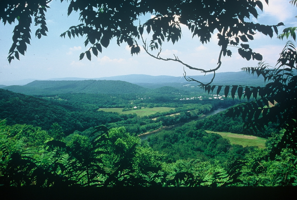 Washington Heritage Trail - Cacapon River from Panorama Overlook