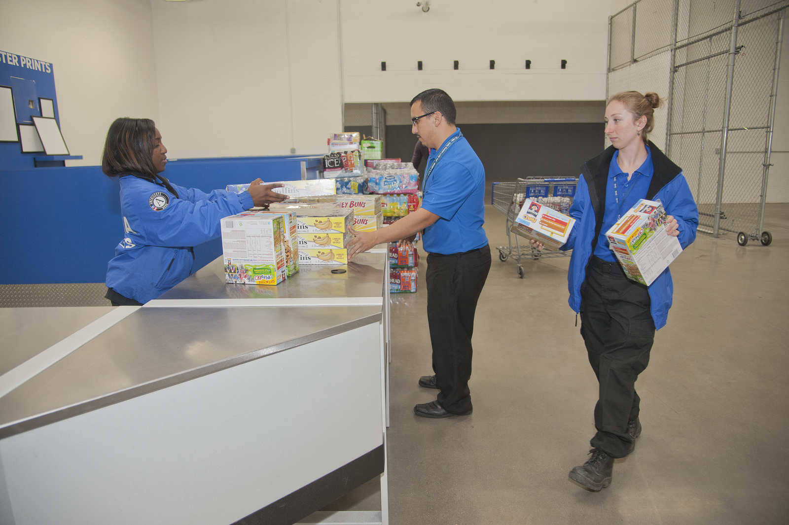 Louisville, CO,September 30, 2013--FEMA Corps members unload food